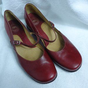 Nurture Round Toe Red Mary Jane Shoes Size 8.5